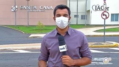 Aumento de casos de Covid-19 preocupa autoridades de saúde em Rio Preto - O diretor executivo da Fundação Faculdade Regional de Medicina de São José do Rio Preto (Funfarme), Jorge Fares, gravou um vídeo na tarde desta quarta-feira (2) para alertar os moradores sobre o aumento dos casos positivos de Covid-19.