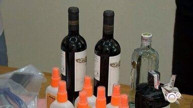 Polícia de Itatiba investiga quadrilha especializada em furtos de vinhos caros - A polícia de Itatiba (SP) descobriu uma quadrilha especializada em furtos de vinhos caros. A quadrilha, formada apenas por mulheres, furtava vinhos dos supermercados e agia em várias cidades do estado.