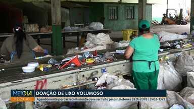 Catadores de recicláveis em Cascavel enfrentam dificuldades financeiras - A falta de material fez o salário dos trabalhadores cair quase pela metade.