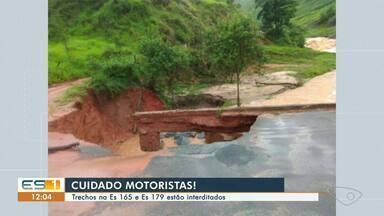 Trechos nas rodovias ES-165 e ES-379 estão interditados por causa das chuvas - Assista.
