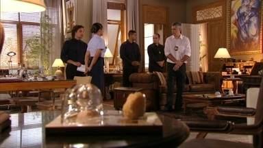 Isabel localiza as obras de arte roubadas na casa de Dionísio - Alberto leva intimação ao avô