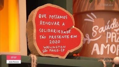 Mande sua mensagem para a árvore do 'É de Casa' - Árvore do estúdio traz mensagens de otimismo do público para 2021