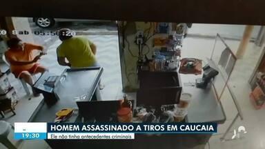 Homem é morto a tiros em Caucaia - Saiba mais no g1.com.br/ce