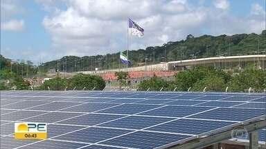 Entenda como é possível passar a usar energia solar - Supervisor da Celpe explicou como calcular se vale a pena o investimento na tecnologia.