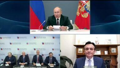 Astrazeneca e russos assinam acordo para fazer testes conjuntos - Os testes usando uma dose cada vacina vão começar em breve, em três países, segundo autoridades russas.
