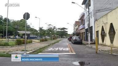 Moradores sofrem com alagamentos durante o período das fortes chuvas em Belém - Moradores sofrem com alagamentos durante o período das fortes chuvas em Belém