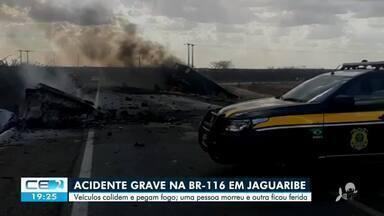 Carro pega fogo depois de colisão e uma pessoa morre - Saiba mais em g1.com.br/ce