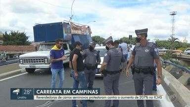Revendedores de carro protestam nas ruas de Campinas - Grupo saiu em carreata por volta de 8h30 e houve congestionamento no trânsito. Governo estadual defende aumento na alíquota do ICMS sobre revenda de veículos.