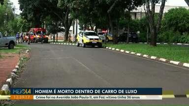 Homem é morto dentro de carro de luxo em Foz do Iguaçu - Crime foi na Avenida João Paulo II. Vítima tinha 36 anos.