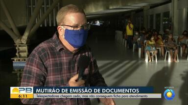 População reclama de não conseguir ficha no mutirão de documentos, em João Pessoa - Organização do mutirão explica como funciona serviço