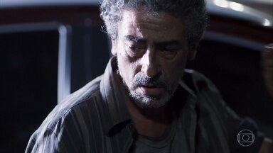 Aldo se esconde de Tato, Roney e Keyla - Roney e Tato vão ao local onde houve o atentado a moradores de rua e descobrem que Aldo foi levado para o hospital. Tato avisa que não vai desistir de procurar pelo pai