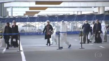 Especialistas da OMS chegam à China para investigar origem da pandemia - Investigação vai se concentrar em hospitais e em mercado de frutos do mar onde vírus foi identificado em dezembro de 2019.