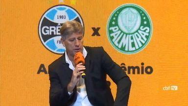 Grêmio enfrenta o Palmeiras pelo Campeonato Brasileiro nesta sexta (15) - Assista ao vídeo.