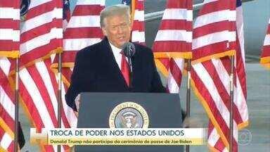 Donald Trump não participa da cerimônia de posse de Joe Biden - Donald Trump decidiu não participar da posse de Joe Biden. Ele é o primeiro presidente a não participar da cerimônia em mais de 150 anos. Trump deixou a Casa Branca, por volta das dez horas da manhã, no horário de Brasília.