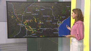Tempo segue instável no Paraná - Na capital, a chuva chega durante a tarde e deve ser menos volumosa.