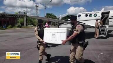 Nova remessa de vacinas contra a Covid-19 chega a Teófilo Otoni - Desta vez, representante do Estado e a Polícia Militar vão entregar as doses nos municípios da região.