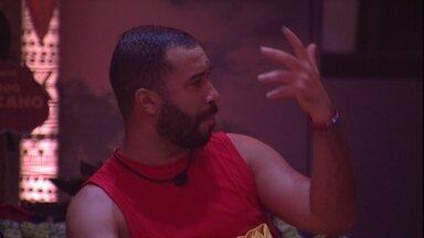 Gilberto e Nego Di conversam sobre jogo: 'Tem que sentar e ver a estratégia' - Gilberto e Nego Di conversam sobre jogo: 'Tem que sentar e ver a estratégia'