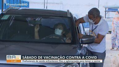 Pontos de vacinação têm filas de profissionais de saúde, na manhã deste sábado - Movimento é intenso no Centro de Convenções e no Quinto Centro de Saúde, porém, tranquilo na Arena Fonte Nova e no Parque de Exposições.
