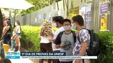 1º dia da Unesp: quase 10 mil candidatos compareceram aos locais de prova - Cerca de 12 mil estudantes tinham se inscrito para fazer as provas na capital paulista.