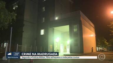 Homem de 21 anos é preso por esfaquear a própria mãe, em Santa Luzia - A Polícia Militar foi chamada durante a madrugada depois que uma mulher foi esfaqueada pelas costas. O suspeito do crime é o próprio filho da vítima. O homem tentou fugir, mas foi preso pela Polícia.
