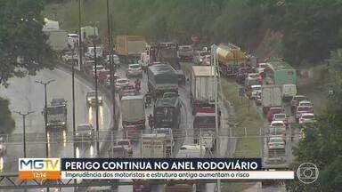 Mais de 140 acidentes são registrados no Anel Rodoviário de BH todos os meses - Ontem, duas pessoas ficam feridas em acidente com cinco veículos na via.