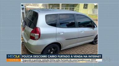 Polícia descobre carro furtado à venda na internet - Segundo a polícia, veículo tinha sido furtado de uma locadora em 2019.