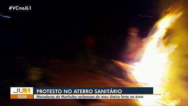 Moradores protestam contra o mau cheiro do aterro sanitário de Marituba - Moradores protestam contra o mau cheiro do aterro sanitário de Marituba