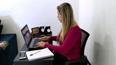 Empresa adota sistema de trabalho híbrido e tem bons resultados - As equipes vão ao escritório duas vezes por semana e no restante fazem home office. Donos do negócio de tecnologia da informação dizem que produtividade cresceu.