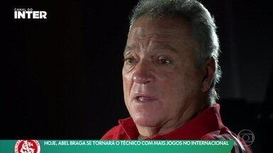 Em busca de mais um título, Abel Braga se tornará o técnico que mais comandou o Internacional na história - Em busca de mais um título, Abel Braga se tornará o técnico que mais comandou o Internacional na história
