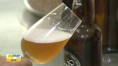 Pesquisadores criam cerveja com mel silvestre da caatinga - Invenção veio do IF-Sertão de Petrolina.