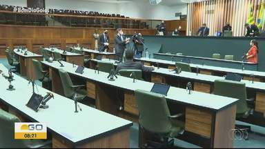 Assembleia Legislativa de Goiás funciona em novo regime - Visitação está proibida e parte dos servidores vão trabalhar de casa.