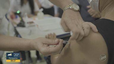 Segunda etapa da vacinação em massa começa nesta quarta-feira em Serrana - Moradores do grupo amarelo irão receber a primeira dose. O horário da campanha é das 14h às 20h30 até sexta-feira (26) e das 8h às 15h30 no final de semana.