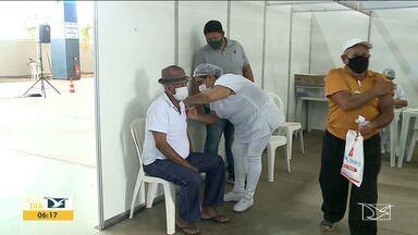 Chegada de vacinas retoma aplicação da primeira dose em idosos em São Luís - Com a chegada de mais vacinas contra o coronavírus, a aplicação da primeira dose em idosos foi retomada na capital.