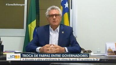 Ronaldo Caiado rebate fala de Ibaneis Rocha e critica posicionamento do governo do DF - Governador do DF disse que Goiás tem mandado pacientes para leitos de UTI do DF.