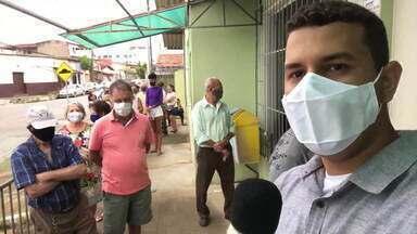 Idosos a partir de 80 anos são vacinados contra a covid-19 em Governador Valadares - Cidade conta com 7 pontos de vacinação.