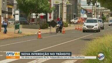 Cruzamento da Avenida Independência com Rua Eliseu Guilherme é interditado - Bloqueio acontece a partir desta quinta-feira (11) para andamento das obras do Programa Ribeirão Mobilidade.