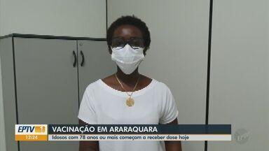 Idosos com mais de 78 anos começam a ser vacinados contra a Covid em Araraquara - Cidade recebeu novo lote com CoronaVac.