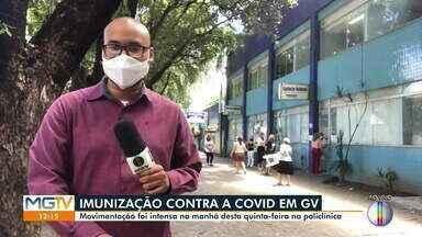 Vacinação contra Covid-19 é realizada na Policlínica em Governador Valadares (Parte 2) - Veja movimentação.