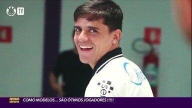 Como modelos os atletas do Corinthians são... ótimos jogadores! - Como modelos os atletas do Corinthians são... ótimos jogadores!