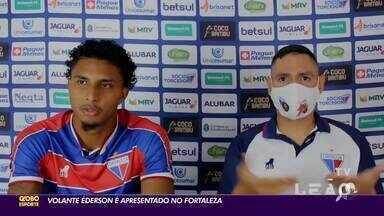 """Volante Ederson é apresentado no Fortaleza e destaca: """"Como se eu estivesse em casa"""" - Saiba mais em ge.globo/ce."""
