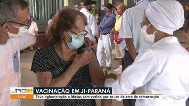 Vacinação em idosos em Ji-Paraná é marcada por aglomeração - Idosos também não conseguiram se vacinar por erro na marcação.