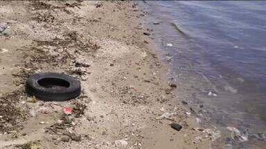 Praias da Baía de Guanabara sofrem com o abandono e a poluição - O Rio é conhecido por suas belas praias, mas a falta de investimento e segurança fizeram com que muitas delas ficassem abandonadas.