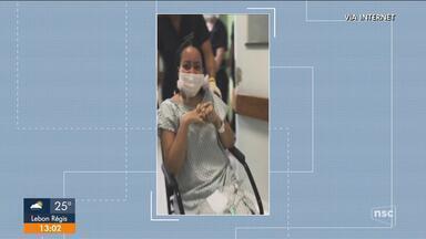 Mãe conhece filha após duas semanas intubada em SC - Mãe conhece filha após duas semanas intubada em SC