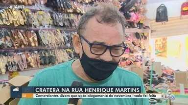 Comerciante lamenta perdas materiais após forte chuva no Centro de Manaus - Comerciantes dizem que após alagamento de novembro do ano passado, nada foi feito.