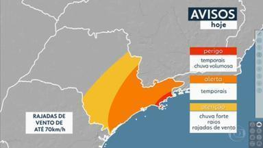 Frente fria se aproxima e Grande São Paulo terá temporais até a noite - Temperaturas vão cair nos próximos dias.