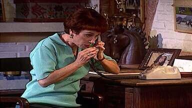 Capítulo de 06/04/2021 - Em Era Uma Vez, Anita esconde bilhete de suicídio de Bruna. A advogada é levada às pressas ao hospital. Filé avisa Babi que o namoro deles é de verdade. Madalena atende telefonema de Letícia.