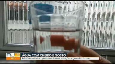 Moradores do Rio reclamam do gosto e do cheiro da água da Cedae - Relatório da Cedae apontou a maior concentração de geosmina desde o início do ano.