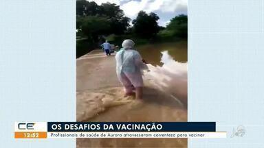 Profissionais de saúde de Aurora atravessaram correnteza para vacinar - Saiba mais em g1.com.br/ce
