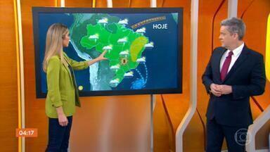 Sistema de baixa pressão pode provocar temporais no Centro-Oeste, Sul e Sudeste - Um sistema de baixa pressão, que está se formando, vai ser responsável pela chuva forte prevista para Minas Gerais, Goiás, Mato Grosso e São Paulo. Confira a previsão do tempo completa para todo o Brasil.