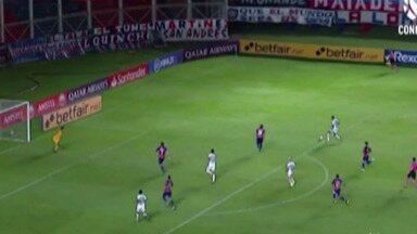 Santos ganha contra o San Lorenzo e aumenta as chances para competir na Libertadores - O placar final deu uma grande vantagem para o jogo da volta, na semana que vem.